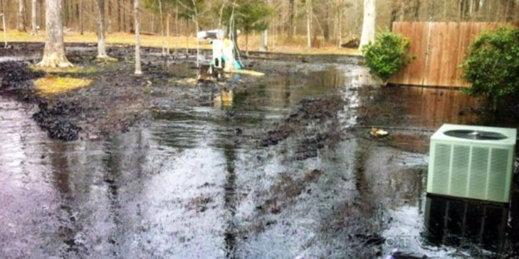 Arkansas oil spill cleanup
