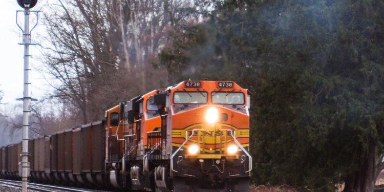 BNSF diesels pulling coal