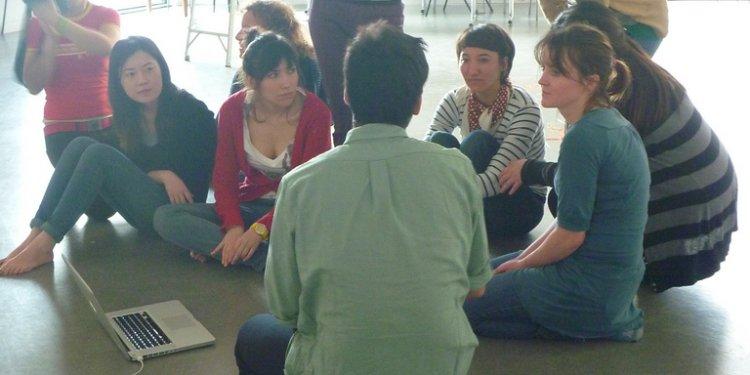 Crowd sourcing environmental governance, March 2011 Goldsmiths U. Design Environment