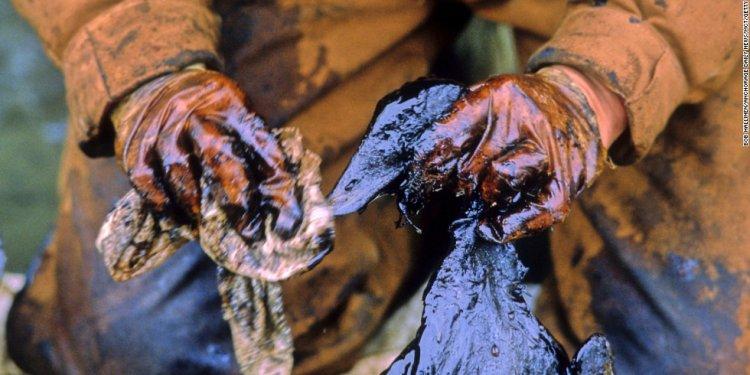 An Exxon Valdez oil spill