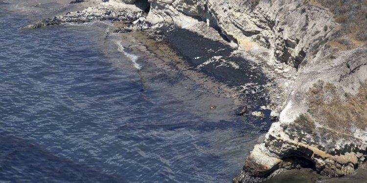 Santa Barbara oil spill - LA