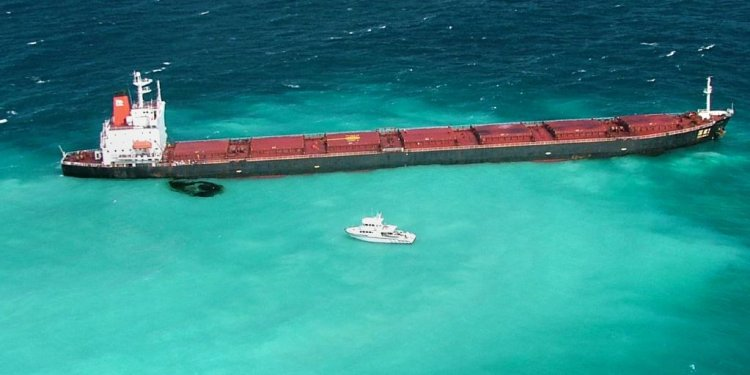 Great Barrier Reef oil spill